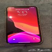 ايفون 11 الشاشة مكسورة