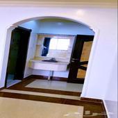 شقة مساحته 178 94 عمرها 3سنوات مرممه ترميم كامل
