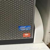 كمبيوتر مكتبي للبيع مع ملحقاته والمكتب