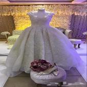 فستان عروس فخم وراقي وتصميم مميز