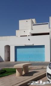 للبيع - فيلا استاندر ينبع الصناعية 6 غرف