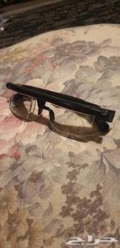 نظارة اللون اسود و ممتازة جديده