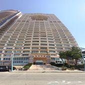 للبيع شقة بأطلالة بحرية في برج ديار البحر