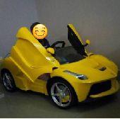 سيارة أطفال فيراري بمواصفات رائعة