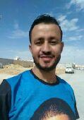 يمني يبحث عن عمل في الدخل المحدود