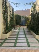 استراحة للبيع في حي الحزم في الرياض