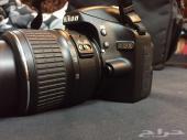 كاميرا نيكون احترافيه شبه جديده للبيع