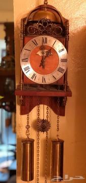 ساعة حائط الماني تقلين