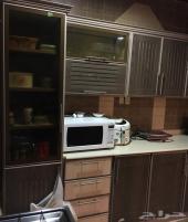للبيع مكيفات ودولاب مطبخ وغرفة نوم أطفال