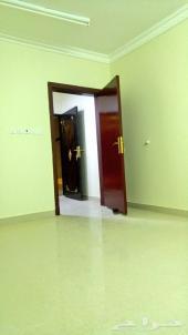 جديد شقة صغيرة موقع مجمع غرفتين ومطبخ ر اكب