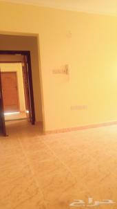 3 غرف وصالة شقة مجددة مطبخ جديد الدور الثالث