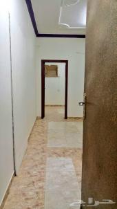 شقة استديو غرفة ومطبخ وحمام صغيرة وممر واسع
