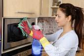 يوجد خادمة طباخة مغربية للتنازل 0559945530