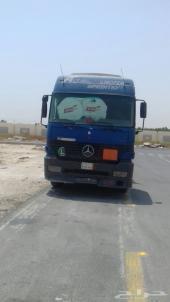 راس شاحنة مرسيدس اكتروس موديل 2000 زرقاء