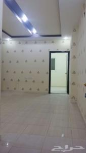 شقة عزاب  مميزة بالرياض حي  اليرموك غرفتين وح