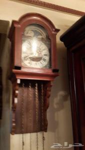ساعة حائط اطلس قمرية