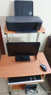 كمبيوتر مكتبي مع الطاولة وطابعة ب 550 ريال