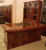 مكتب خشب مع سكرتاريه مع ادراج خامه ممتازة