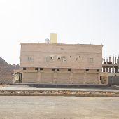 للبيع عماره تجاريه 4 شقق و5 محلات بناء شخصي