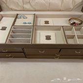صندوق حفظ المجوهرات و الاكسسوارات من adore