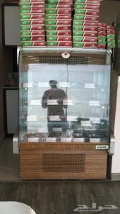 ثلاجه عرض حلويات للبيع
