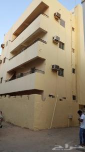عمارة نظيفة للبيع -4 طوابق (قريب الجامعة مول)