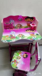 طاولات دراسة مميزة للاطفال