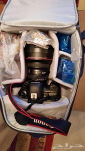Canon 5D IV body مع بطاريات