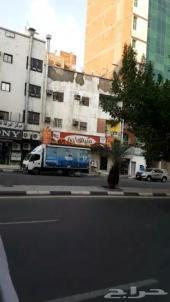 عمارة تجارية على شارع ام القرى مساحتها 95م