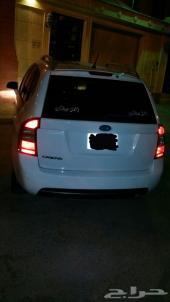 سيارة كيا كارنس 2011