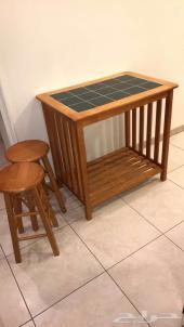 للبيع طاولة مطبخ شبه جديده