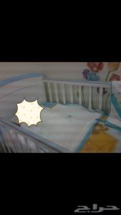 سرير اطفال بحاله ممتازه