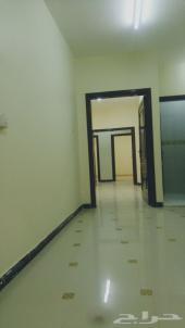 شقة في حي القدس واسعة جدا 3 غرف وصالة كبيرة .