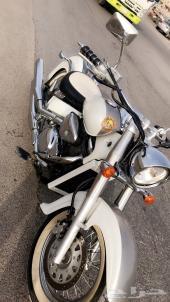 دراجه كلاسك سوزوكي 800  2004