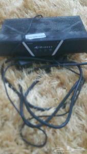 جهاز لاقط شبكة وكذلك جهاز أوربت نت