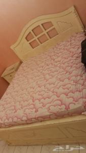 غرفة نوم خشب دمياطي أصلي للبيع .