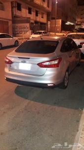 للبيع سيارة فورد فوكس موديل 2012