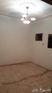 شقة 3 غرف صالة مدخلين حي ليرموك  15الف ريال