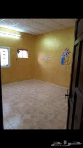 بيت شعبي نظيف جدا وموقع مميز للبيع