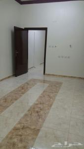 غرفتين وصالة ومطبخ راكب بداية حي لبن
