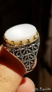 مزاد رقم ( 72 ) خاتم عقيق ابيض طبيعي