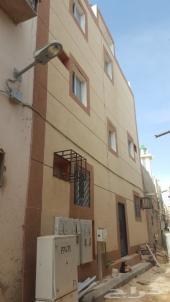 عمارة سكنية عزاب في المرقب بجوار محطة المترو