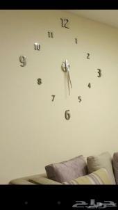 ساعات الجدار العملاقة والوسط بالدمام