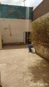 للايجار حوش به غرفة على شارع الأمير عبدالمجيد