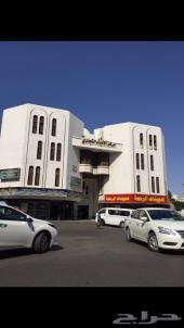 مبنى تجاري للبيع