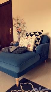 اريكة وزولية وطاولة من ايكيا
