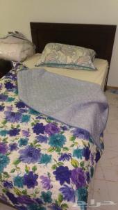 غرفة نوم مفردة مع مرتبة