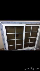 نافذة ألمنيوم جديدة أبيض لم تستخدم مع الشبك