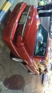 فورد ماركيز موديل 2000 لون احمر