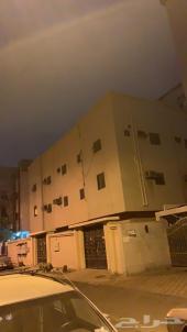 للبيع عمارة قديمة بمكة حي العزيزية 8شقق وملحق